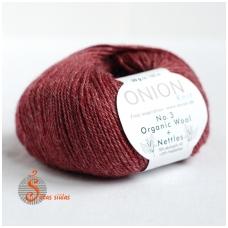 Organic Wool + Nettles No. 3 tamsiai raudona 1108